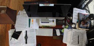 Tips-to-Keep-Your-Workplace-De-cluttered-on-architectureslab