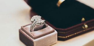 Valuable-Tips-to-Know-Before-Sale-Diamond-Jewelry-on-architectureslab