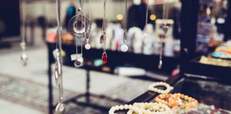 Things-to-Consider-While-Buying-Jewelry-on-architectureslab