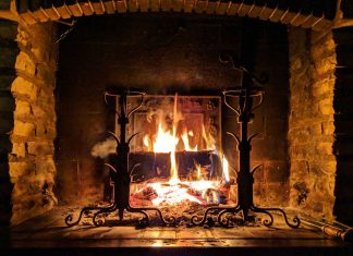 Effective-Ways-to-Clean-Your-Fireplace-on-architectureslab