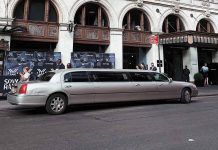 6-Things-to-Know-Before-Hiring-a-Limo-on-architectureslab