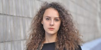 Try-To-Avoid-These-Mistakes-for-Getting-Perfect-Curly-Hair-on-architectureslab