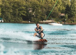 Some-Great-Watersports-Are-worth-Trying-This-Summer-on--ArchitecturesLab